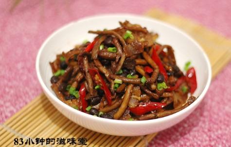腊肉炒茶树菇