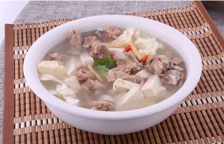 豆腐黄瓜排骨汤