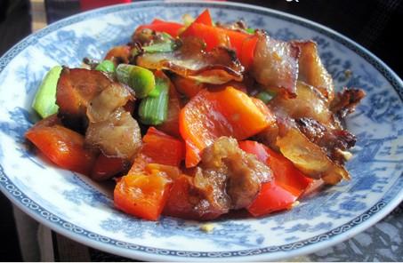 红辣椒炒腊肉