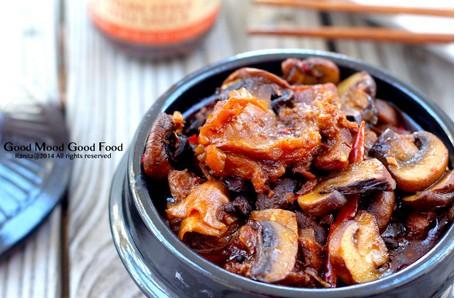 经典名菜――蘑菇炖牛腩