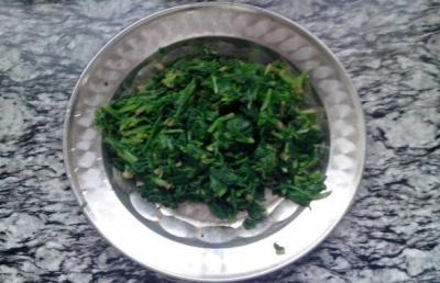 菠菜拌干丝