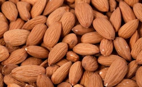 杏仁的功效与作用及食用方法,杏仁的功效