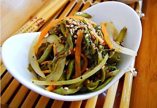 香辣煸蕨菜的做法