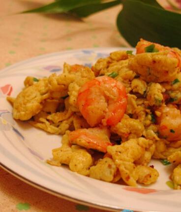 鸡蛋炒大虾的做法