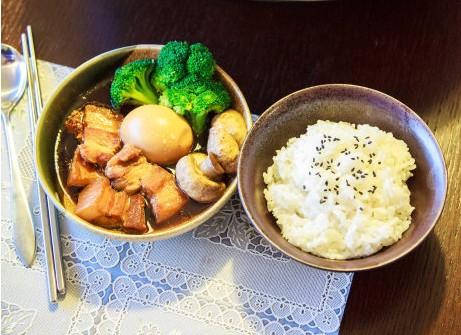 卤五花肉蘑菇汤的做法