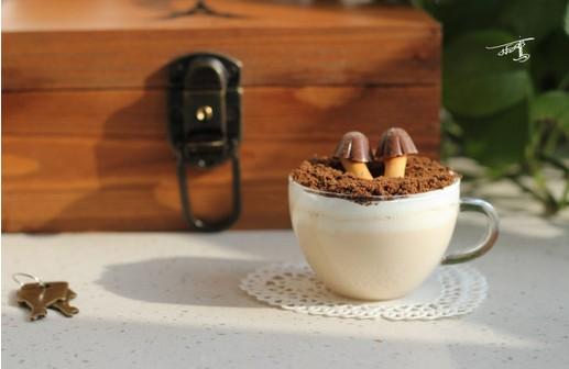 蘑菇牛奶奶茶的做法