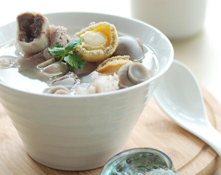 鲍鱼炖猪排骨汤的做法(图文)
