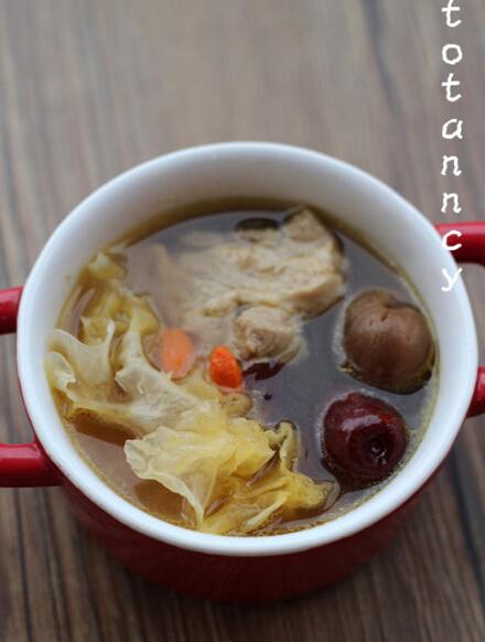 银耳炖龙骨汤的做法(图文)