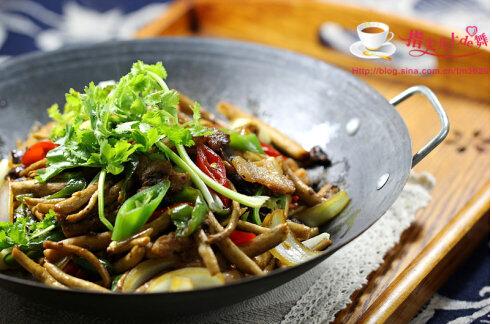 干锅炒茶树菇的做法