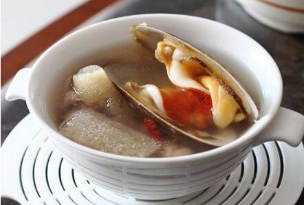 竹荪象鼻蚌排骨汤