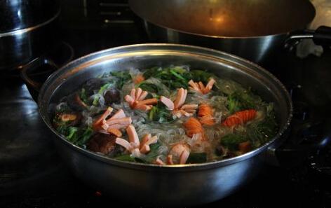 菠菜粉丝锅的做法