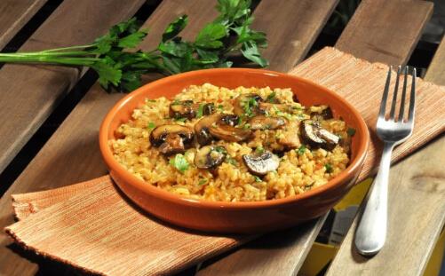 鸡蘑菇炖饭的做法
