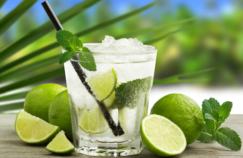 柠檬汁的热量 卡路里cal ,柠檬汁的功效与作用,柠檬汁的食用方法,柠檬汁的 ...