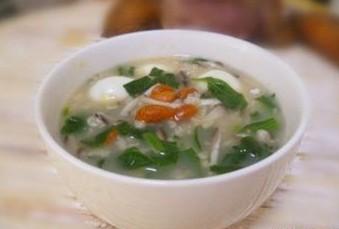 菠菜香菇汤